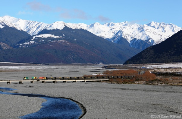 Midland-line-Waimakariri-river