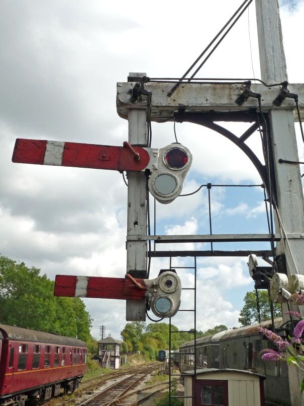 Butterley_CF_Station,_Signal_Box_&_bracket_signal_(6097949978)